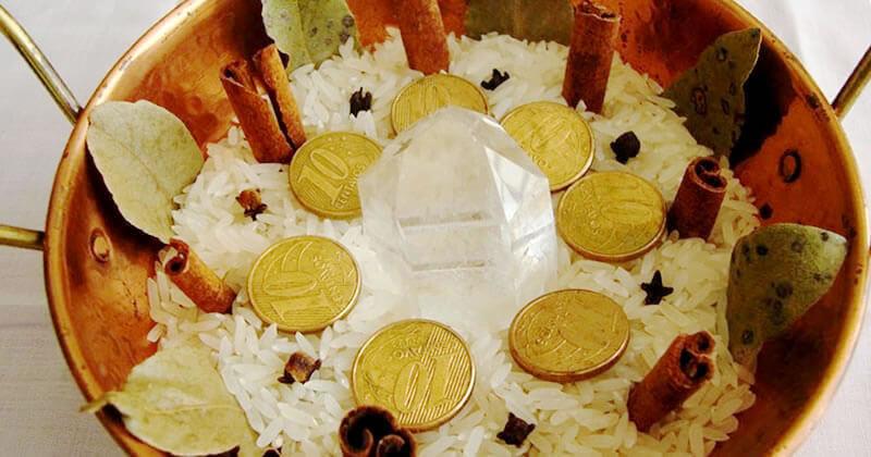 O Poder das Folhas | O fim de ano está chegando e é hora de começar a preparar os rituais de prosperidade para que 2017 seja um ano de riquezas e vitórias! Em...